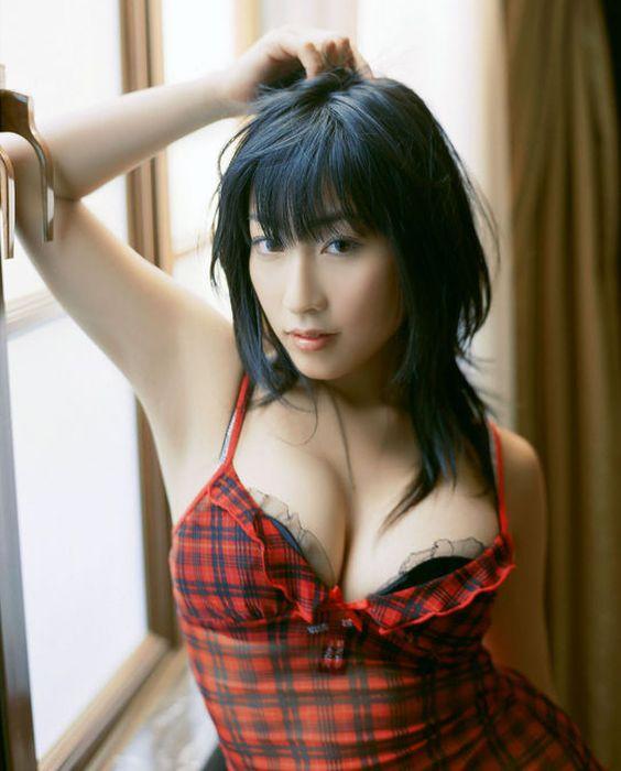 sexy-japan-luder-mit-geilen-titten